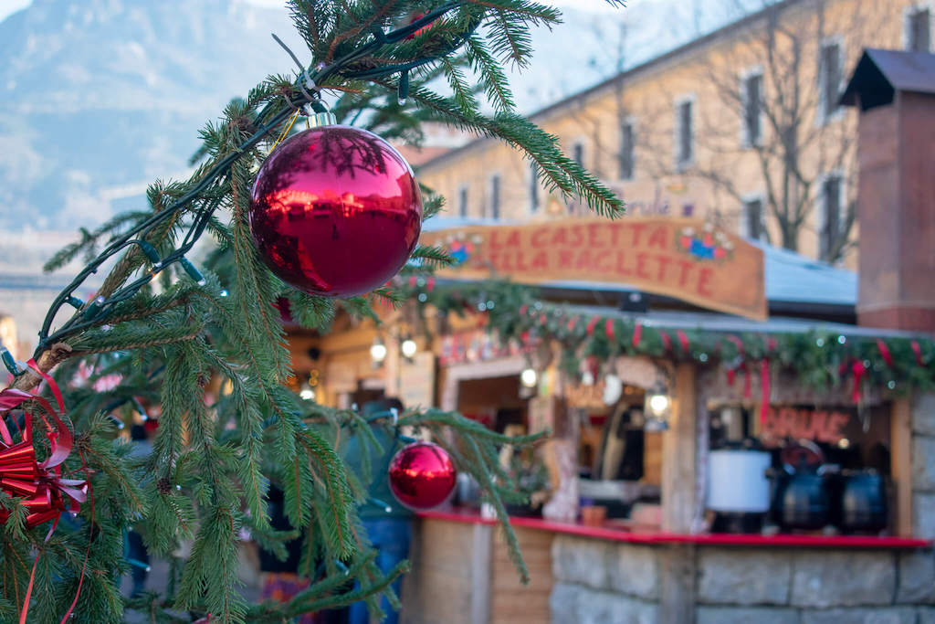 Visit Trentino Italy - Christmas tree and Christmas market