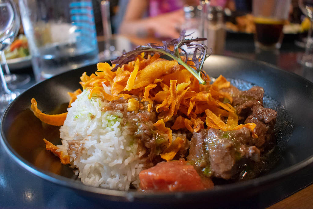 Where to eat in Toulouse, Aux Pieds Sous La Table beef dish