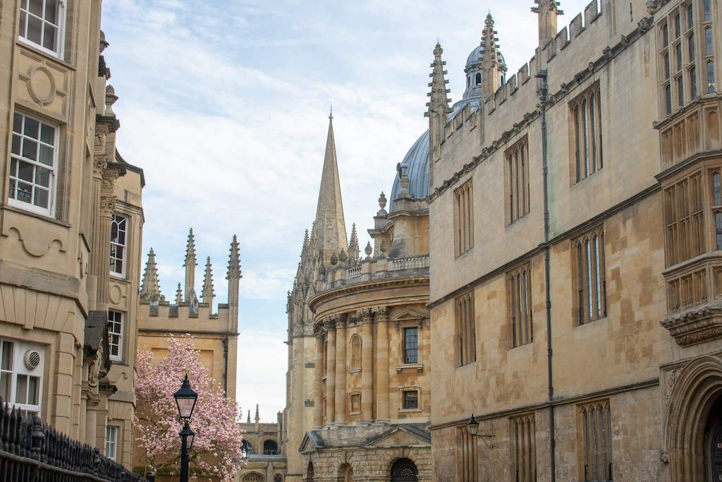 Weekend city breaks in the UK, medieval spires of Oxford university buildings