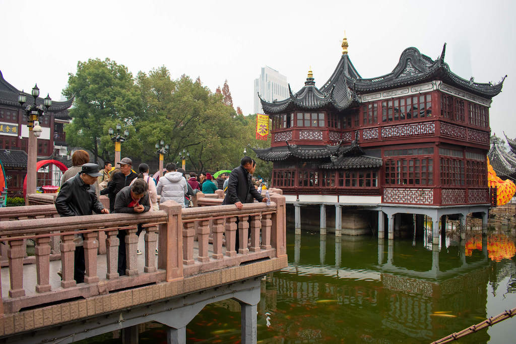 Shanghai Old City, Nine Bend Bridge with traditional tea house above a lake
